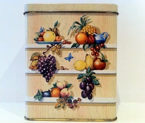 Image of VINTAGE FRUIT TIN 