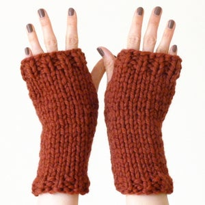 Image of Chunky fingerless mitts