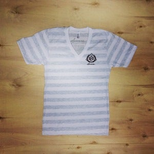 Image of The Basic V-Neck (Women-Ash Stripes)