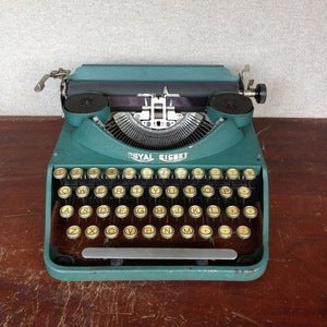 Image of Royal Signet Typewriter