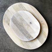 Image of white mango wood platter - small