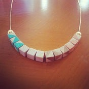 Image of Collar Arcoiris de Madera