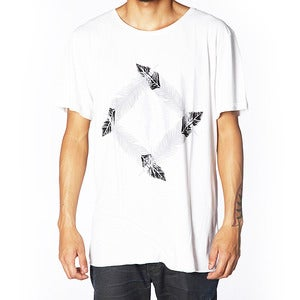 Image of FEATHER TEE | NATURAL