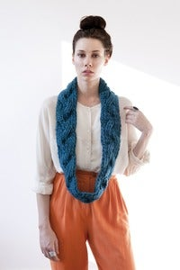 Image of aurora cable braided reversible cowl (shown in teal)