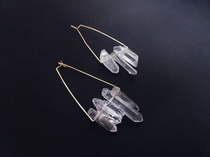 Image of JULIET SANG TO THE SEA - earrings (white quartz)