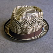 Image of two-tone straw fedora