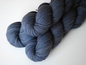 Image of Shale- Blackberry Worsted