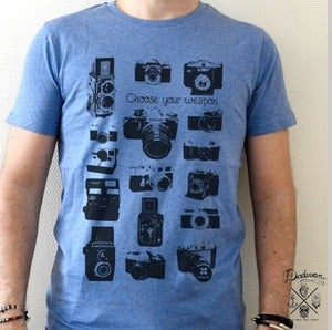 Image of T-shirt homme bleu Vintage cameras - Choose your weapon by Dadawan