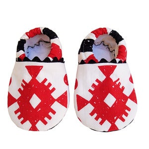 "Image of ""Aponi"" baby booties"