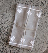Image of White Flower Placemats