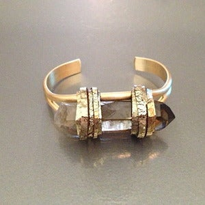 Image of SMOKEY QUARTZ SINGLE FLAME CUFF