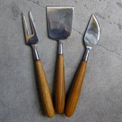 Image of teak-handled 3-piece cheese set