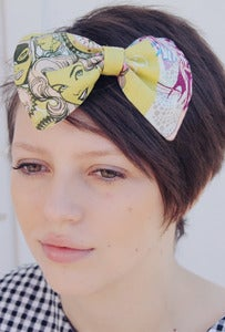 Image of Wonder Women Comic Print Hair Bow