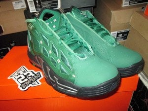 "Image of Air Max Pillar ""Pine Green"""