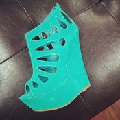 Image of Sea Green Caged Wedge 