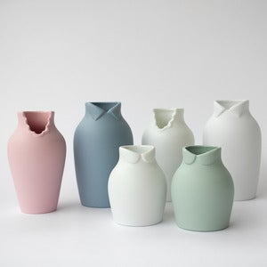 Image of Dress-up Vase by nendo