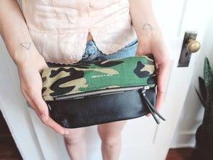 Image of VIAJE CLUTCH - CAMOFLAUGE