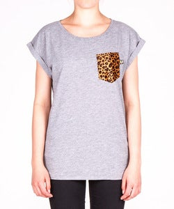 Image of THE WOMEN GREY CHEETAH POCKET TEE