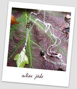 Laura single leaf necklace
