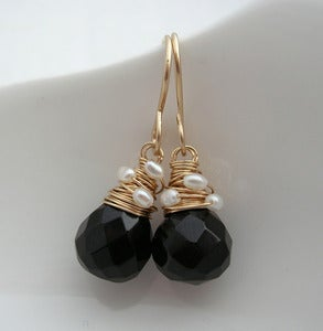 Image of Black Onyx Petite with Pearls