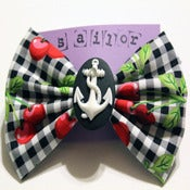 Image of Retro Anchor Cameo Bow (large)