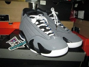 Image of Air Jordan XIV (14) Retro &quot;Stealth / Hoyas&quot; 