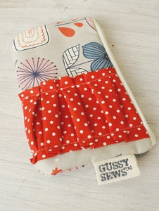 Image of Mod Flowers medium zip pouch