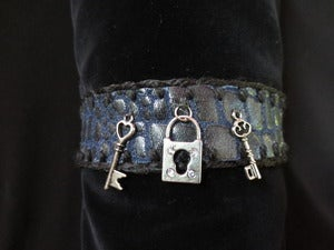 Image of DEMIN SNAKE SKIN COLLAR - Lock+Keys