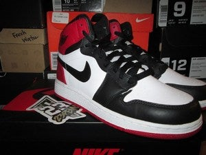 "Image of Air Jordan I (1) Retro HI ""Black Toe"" GS"
