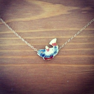 Image of grey fish necklace