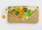 Image of the summer snap clutch (vintage tropical)