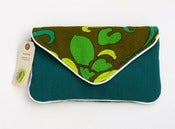 Image of the summer snap clutch (vintage eames era hawaiian)