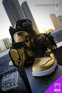 "Image of Reebok Omni Pump Lite ""Basquiat"" Gas Mask"