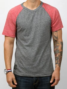 Image of AVENUE TEE (Grey/Red)