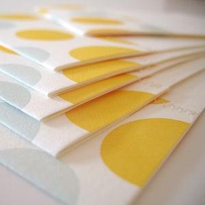 Image of side seam . dot . lemon