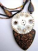 Image of Elegant Maorea Polymer Rayskin and Pearl Disk Pendant