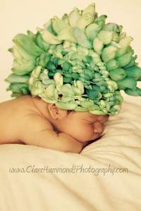 Image of Newborn Mohawk Hat PATTERN includes includes directions for pompom or plain beanie 