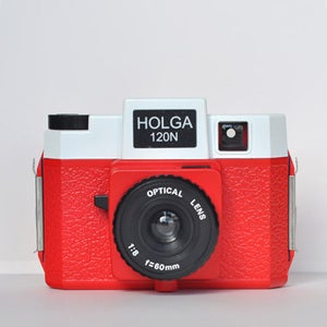Image of Holga 120 N (Red &amp; White)