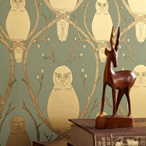 Image of Briar Owl wallpaper - Gold