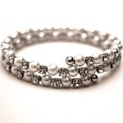 Image of Analysa White Pearl Bracelet