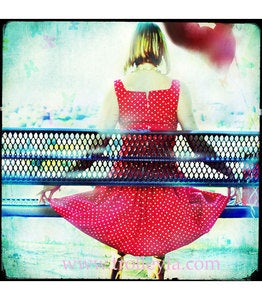 Image of ♥GIRL ON A BENCH♥