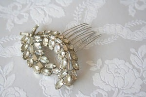 Image of Vintage rhinestone bridal hair comb : piece 004