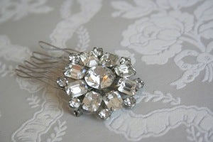 Image of vintage rhinestone bridal hair comb : piece 005