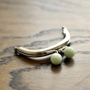 "Image of Purse Frame : Jade Bauble : 3"" x 2 3/8"" Curved"