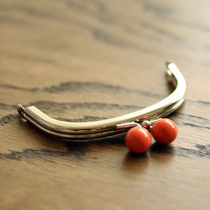 "Image of Purse Frame : Coral Bauble : 4"" x 2 3/4"" Curved"