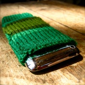 Image of Greeeeeen iPhone/iPod Snuggle