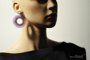 Image of spiro circle earrings