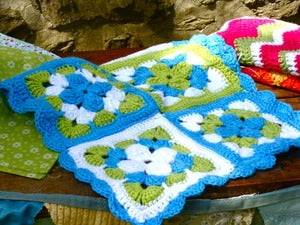 Image of MochilaMia Granny Square Afghan in 'Starburst'