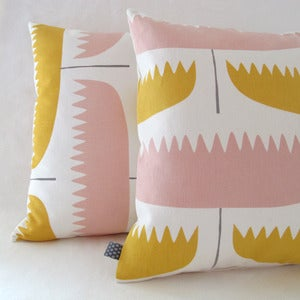 Image of tuulip pillow . tart