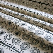 Image of Daisies hemp/organic cotton fabric - black